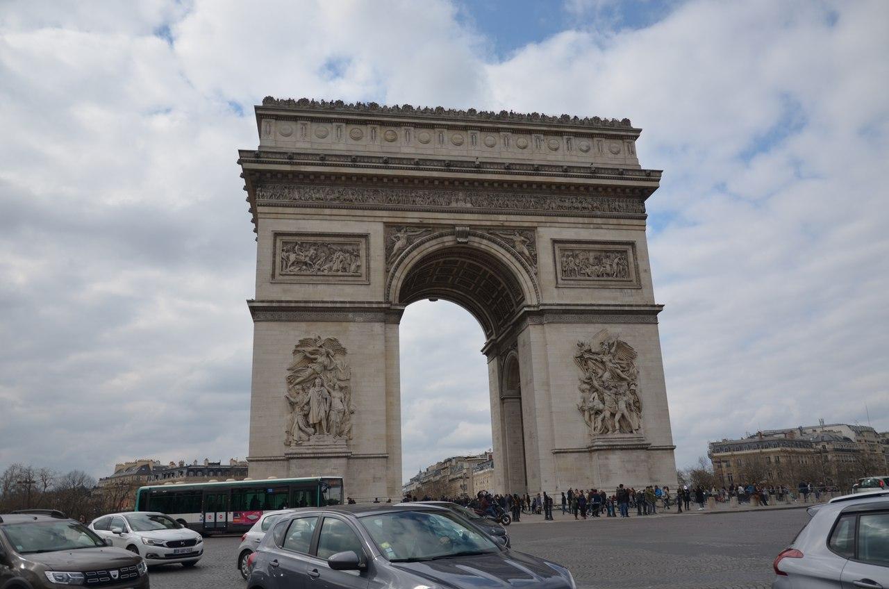 zePgNyjmNwc Париж достопримечательности за один день