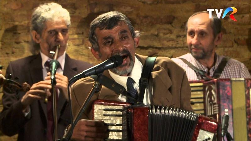 Caliu din Clejani şi taraful său - Dragostea de la Clejani (@Politică şi delicateţuri)