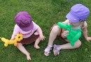 Дети с игрушками из воздушных шариков / Воздушные шары для моделирования.