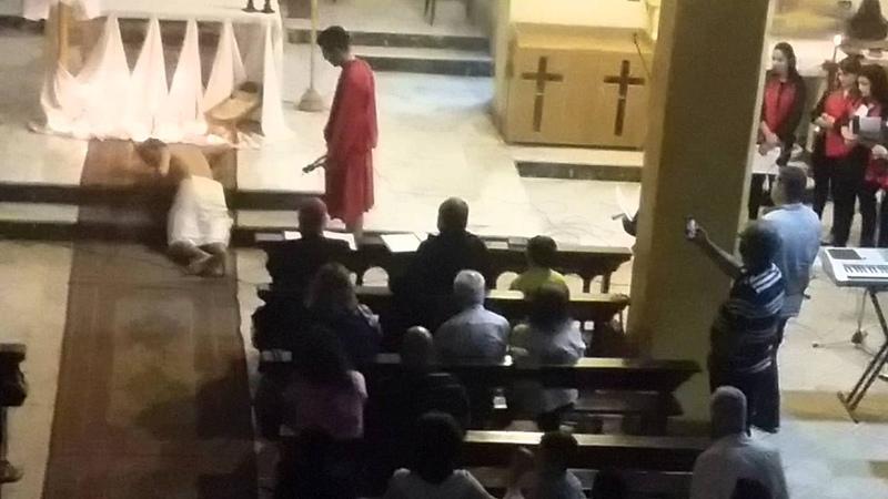جلد يسوع في كنيسة مار يوسف المفرق 2016 wen they hit j