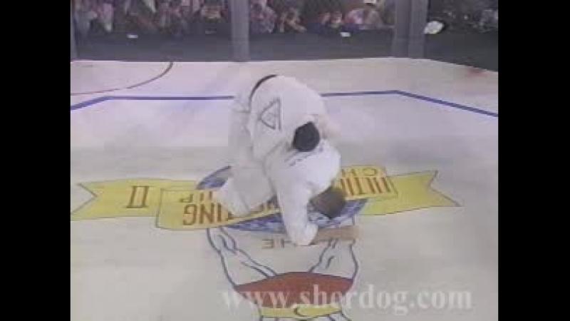 Ройс Грейси(Royce Gracie)Бразильское Джиу Джитсу UFC