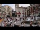 Valencia. Danza infantil en la Plaza de la Virgen de los Desamparados