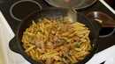 Татарские макароны с мясом, тушёные в овощном соусе.