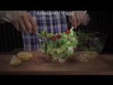 Когда летом не хочется стоять у плиты или есть горячее, попробуйте такой салат!