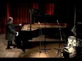 Simon Nabatov plays