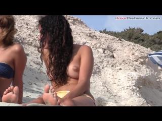 Подсматриваем за голыми подружками на пляже_voyeur beach girls