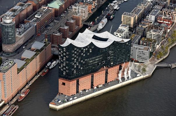 Концертный зал, спроектированный с помощью программных алгоритмов. Новое здание Эльбской филармонии в Гамбурге отличается не только своим современным дизайном, но и тем, что в его создании