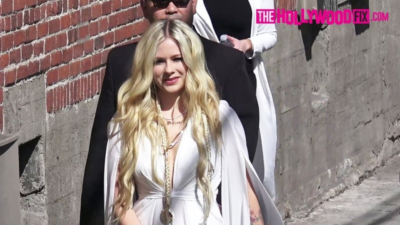 Avril Lavigne Greets Fans Signs Autographs At Jimmy Kimmel Live! Studios In Hollywood 9.12.18