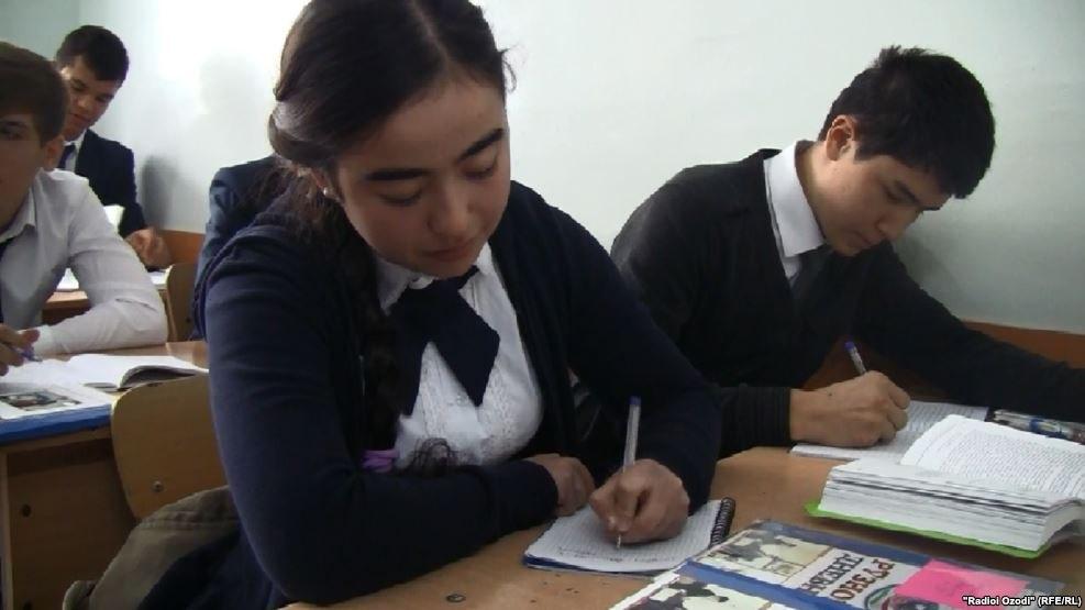 Первый звонок в школах Таджикистана прозвучит 1 августа?