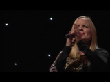 #Brian_May &amp #Kerry_Ellis - Roll With You (Official Video)