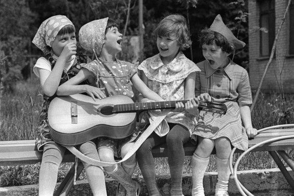 В моём детстве не было мобильных телефонов, но я всегда знала, где мои друзья!