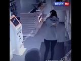 Новосибирец выстрелил в голову продавцу при задержании в салоне связи