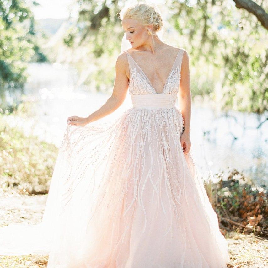 t9 a6lQgsis - Цветное платье невесты