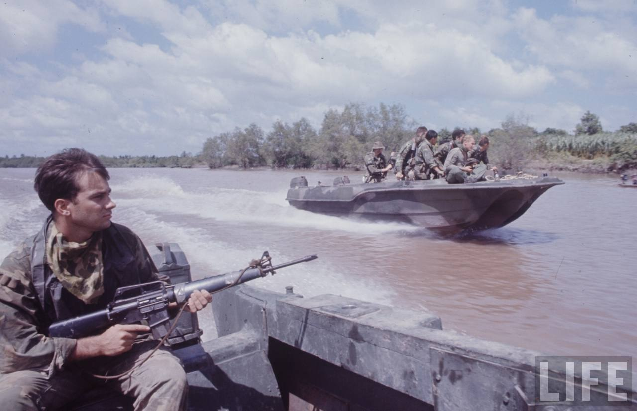 guerre du vietnam - Page 2 -SdrOSXgmLI