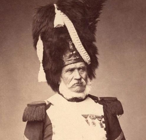 ПОСЛЕДНИЙ СОЛДАТ ВЕЛИКОЙ АРМИИ В конце 19-го столетия в России доживали век не только столетние старцы, помнившие нашествие Наполеона, бывшие солдаты русской армии, служившие под знаменами