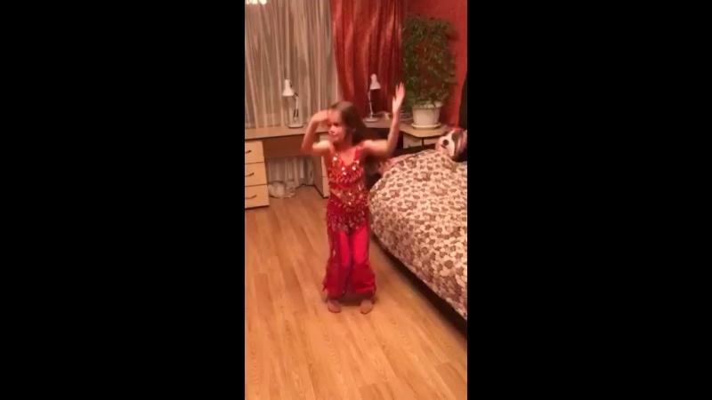 Танец живота😂
