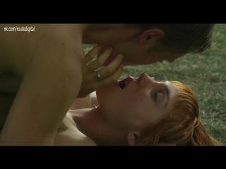 Laetitia Clément Nude - Luna (FR 2018) HD 1080p Web Watch Online