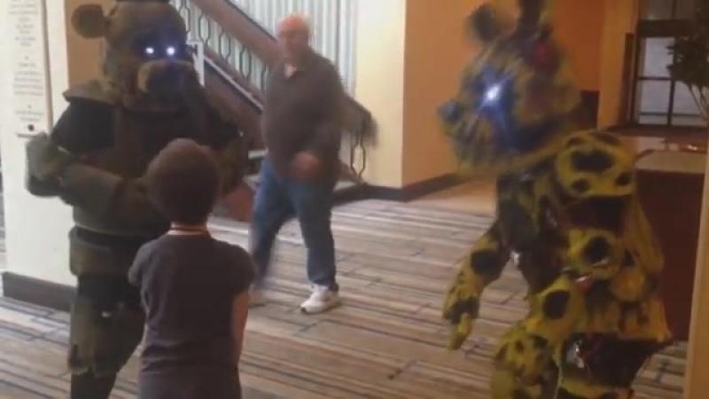 Springtrap Phantom Freddy Meets a Fan