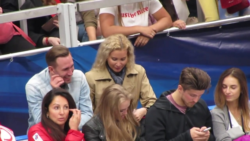 Eteri Tutberidze autographs Open Skates 2018 by SpiRit
