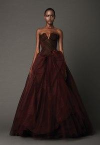 самое красивое выпускное платье