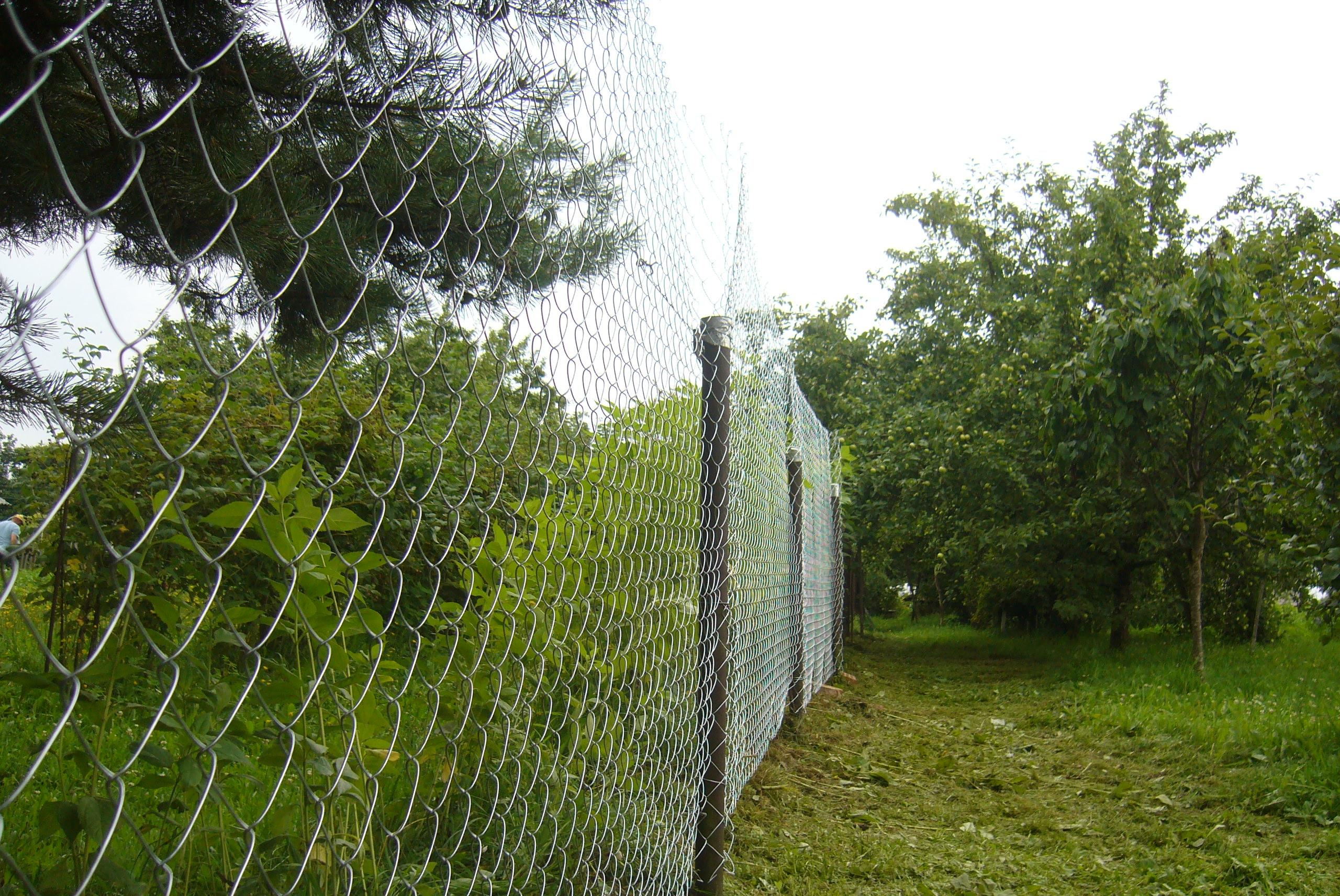 Как поставить идеальный забор своими руками