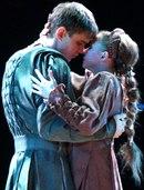 """Мы в пятницу идем в театр.  МХАТ им. Горького,  """"Ромео и Джульетта """".  По слухам, огромная массовка..."""