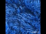 Пушистый плед синий