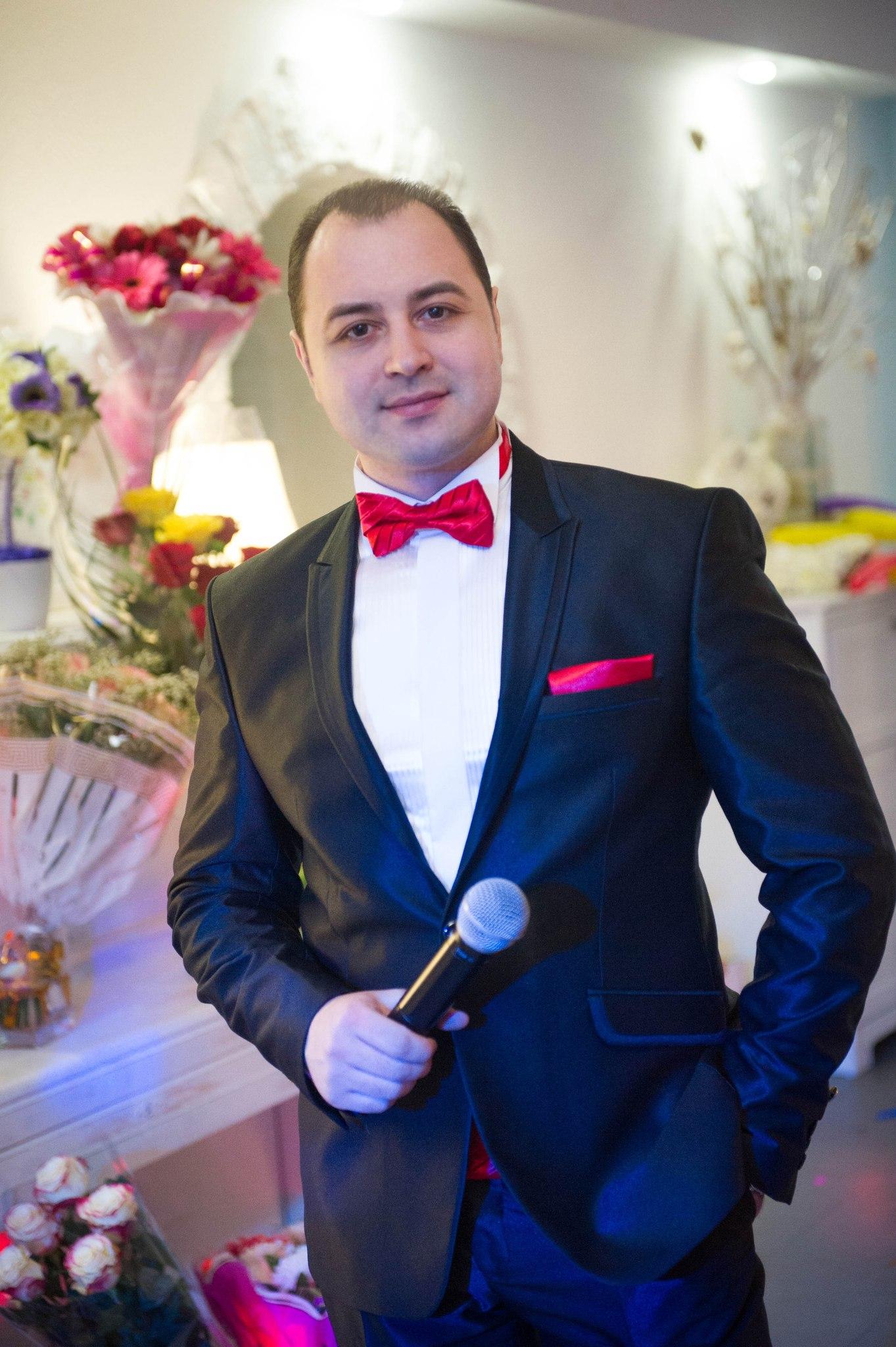 фотография ведущего тамады на свадьбу Александра Белякова