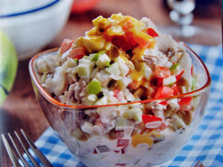 Самые быстрые салаты за 10 минут — это идеальный вариант! Рецепты салатов на скорую руку должны быть у каждой хозяйки!