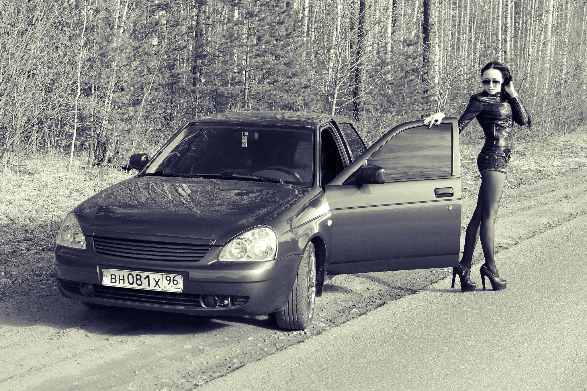 Фото брюнеток в авто 12 фотография