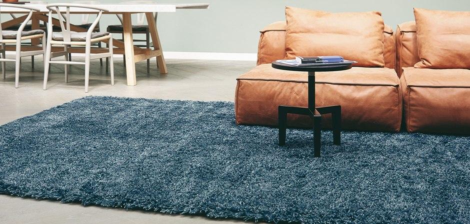 Дизайнерские ковры в наличие и под заказ.