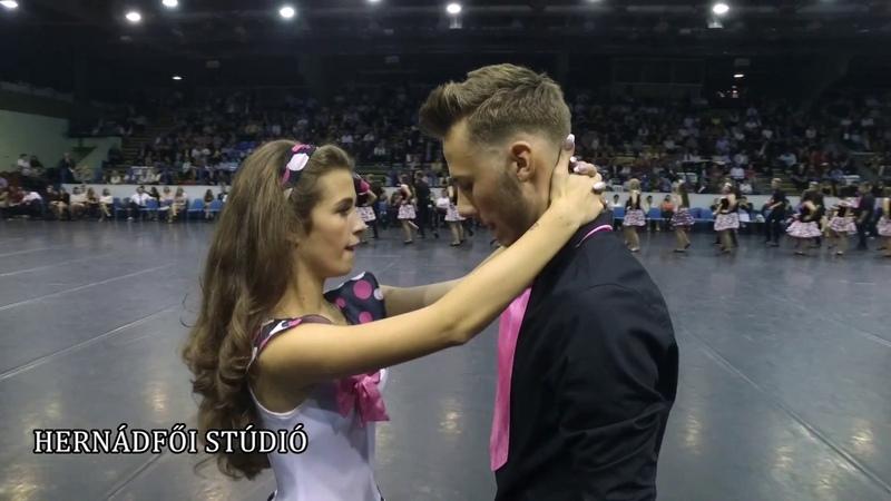 SWING - Csokonai szalagtűző 12.A osztály tánca Alsó kamera felvétele 2017.