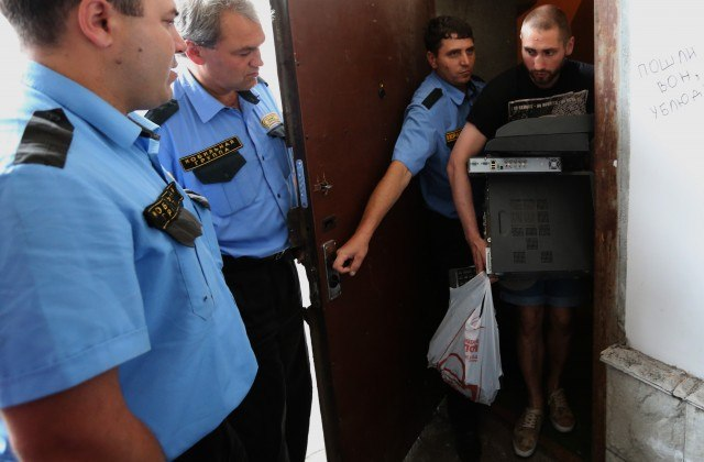 В Таганроге «Подставной бомж был осужден на реальные два года»