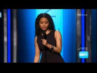 Ники получает награду на BET Awards 2014