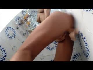 Мама мастурбирует в душе в ванной скрытая камера порно секс соло mom sex porno masturbation in bath