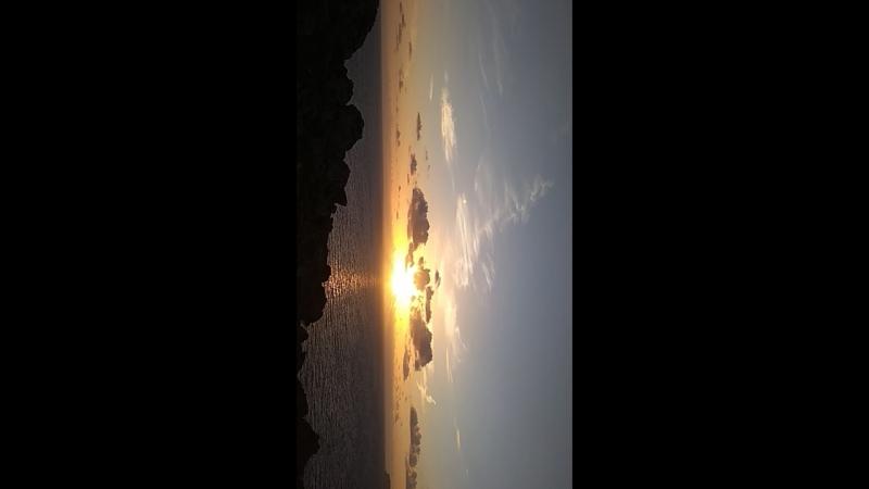 Греюсь в солнечных лучах и встречаю закат на горе на Мальте September 2018