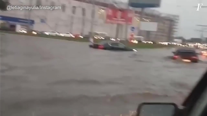 ГРОЗА И ПОТОП В ЧЕЛЯБИНСКЕ 13 ИЮЛЯ 2018 ¦ THUNDESTORM AND FLOOD IN CHELYABINSK RUSSIA 13 07 2018