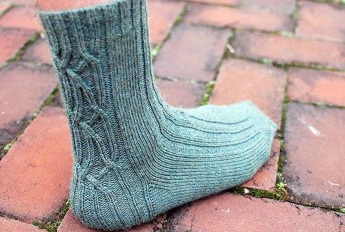вязание спицы носки узор косы