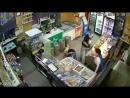 не для слабонервых, мы не шутим. В Самаре грабитель напал на магазин с кухонным ножом и изрезал двух женщин