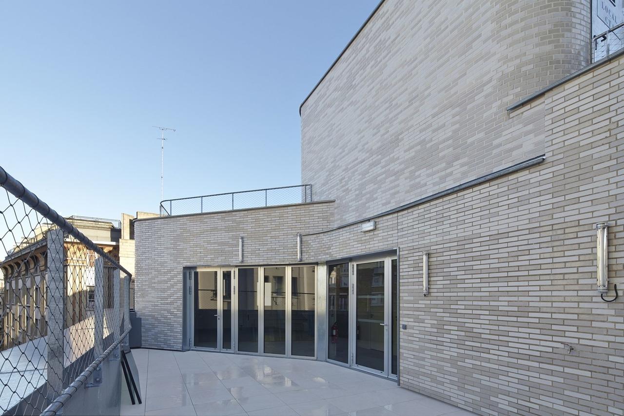 Dumont Legrand Architects / The Victor Gelez Community Centre