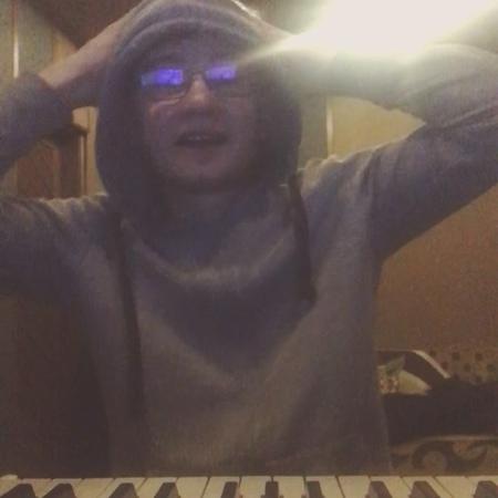 """Ленар Яшен on Instagram: """"Хэерле тоннэр!)😄 Ответ @boooreprod .ВиделПодобноеВидеоУНего 😄 НочноеМузицирование Неугадаете кому пишу песню😄"""""""
