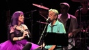 Baby do Brasil canta Menino do Rio com Caetano Veloso