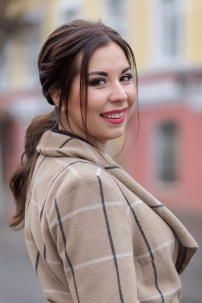 Арина Николаева