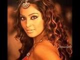 Самые популярные индийские песни в одном клипе.