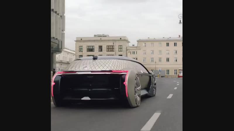 В Renault психанули и показали свой концепт беспилотного электрического лимузина.