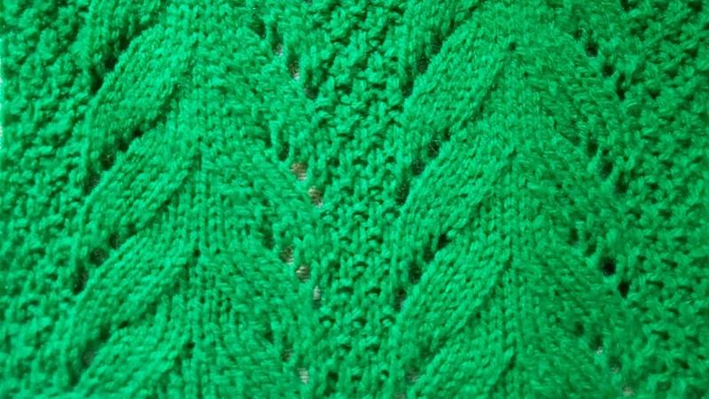 Рельефный ажурный узор Елочки видео урок вязание спицами