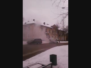 Загорелась ОКА на Ставского