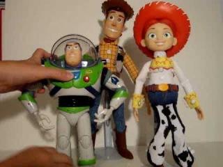 Игрушки Ковбой Вуди и Базз Лайтер