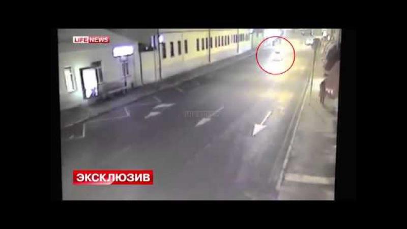 Убыйцы Немцова покидают место преступления