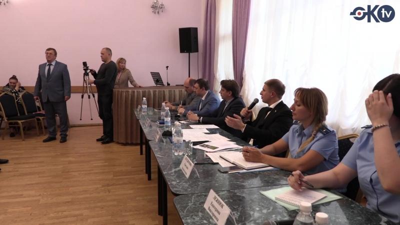 Михаил Романов встретился с дольщиками ЖК «Ижора-парк» в поселке Металлострой